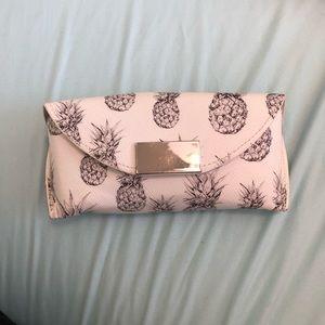 Pineapple sunglasses case holder